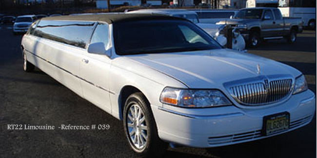 RT22 Limo Lincoln Tuxedo Town Car NJ